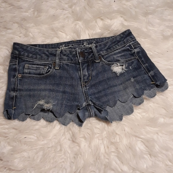 American Eagle Outfitters Pants - Scalloped custom made shorts AE shorts